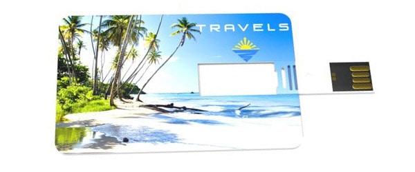 Memoria USB tarjeta con impresión fotográfica de alta calidad.