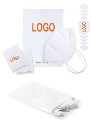 Set de prevención de contagios, con mascarilla KN95, tira ajustadora de mascarilla y 2 sobres monodosis de gel hidroalcóholico desinfectante, presentado en bolsa con autocierre reutilizable.